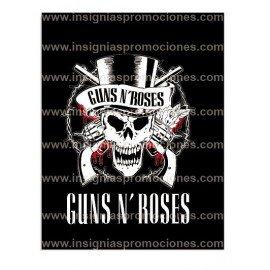 ADHESIVO GUNS N ROSES